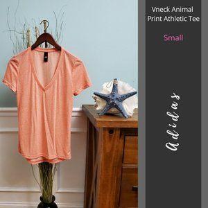 🔥4/$25🔥 Adidas | Vneck Animal Print Athletic Tee